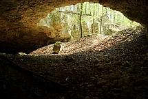 """Źródło: RDOŚ w Katowicach, jaskinia """"Szachownica"""""""