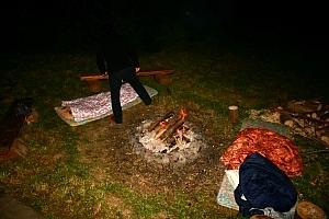 z biedronką postanowiłyśmy spać pod rozgwieżdżonym niebem, góral bagienny i szeliniak z resztą też