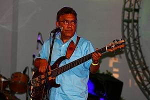 gitarzysta holenderskiegoi zespołu The Music Road Pilots
