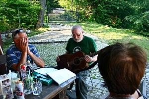 piątkowy wieczór należał do Szeliniaka, w niedzielę, również kilka piosenek zaśpiewał ...