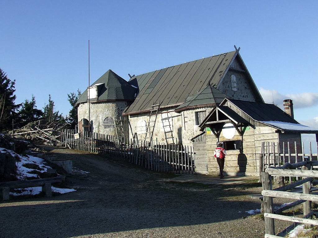 Schronisko na Wysokim Kamiueniu (2008r.)