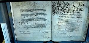 siedemnastowieczny dokument potwierdzający nadanie Żórawinie praw miejskich przez samego cesarza Rudolfa II Habsburga, z jego autografem.