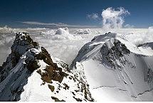 Szwajcarski Dufourspitze i włoska Punta Gnifetti - fot. Krzysztof Jankowski